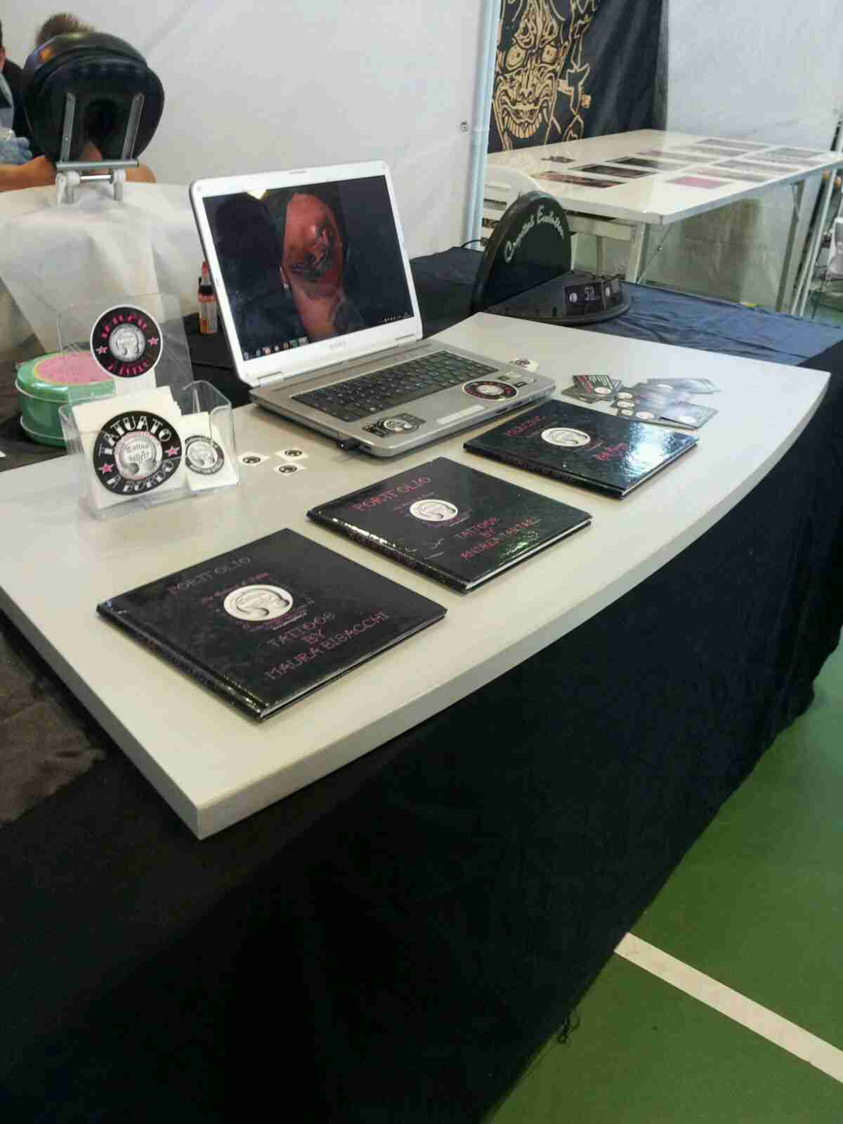 stand Modena Metal Ink