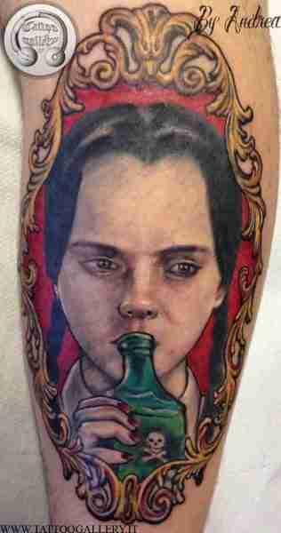 "alt=""mercoledì addams, tatuaggi ritrattistici by andrea Tartari"""