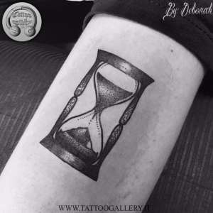 "alt=""blackwork hourglass by deborah"""