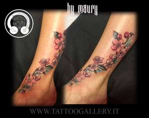 """alt=""""tattoo new school fiori di ciliegio"""""""