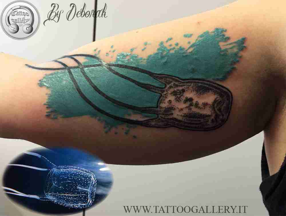 "alt=""blackwork jellyfish by deborah"""