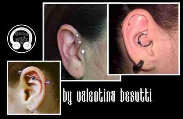 "alt=""piercing valentina besutti orecchie"""