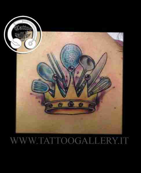 "alt=""crowntattoo color newschool"""