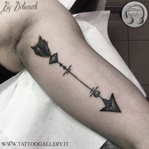 """alt=""""blackwork arrow by Deborah"""""""