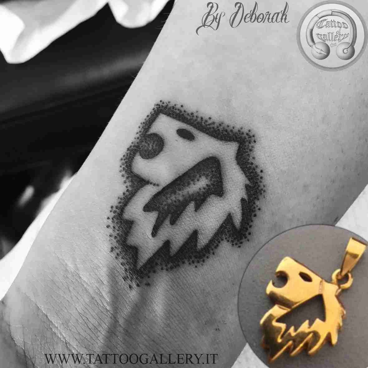 "alt=""blackwork lion by Deborah"""