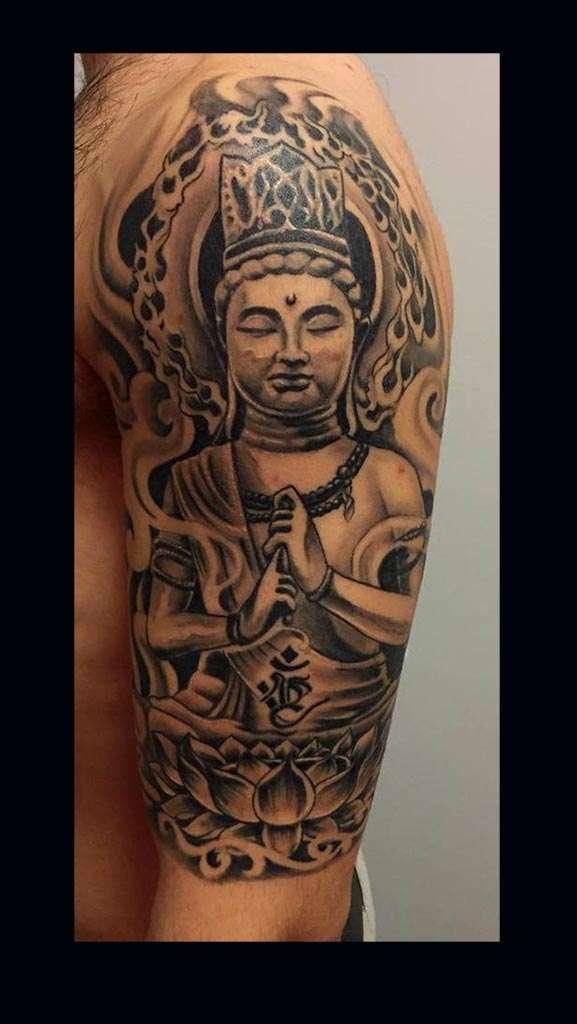 """alt:""""tatuaggi realistici buddah!"""