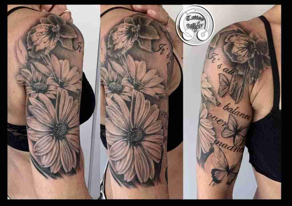 Tatuaggi Fiori Realistici By Andrea Tartari Tattoogallery It