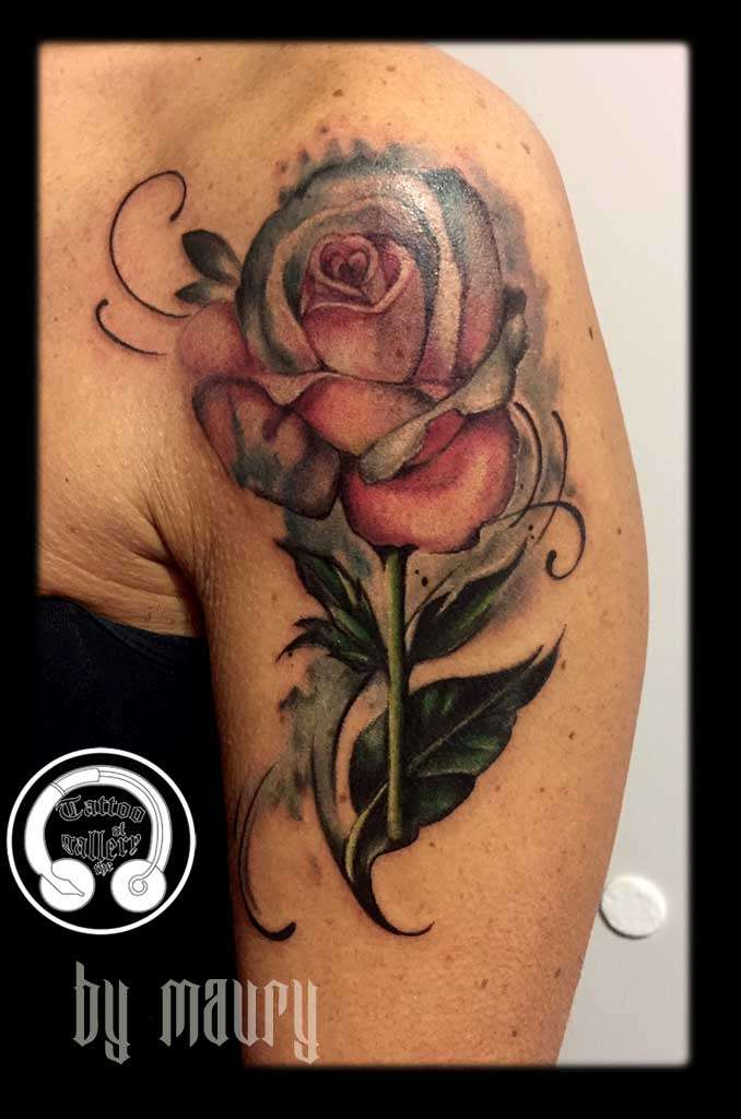 "alt=""tatuaggi watercolor rosa rosa"""