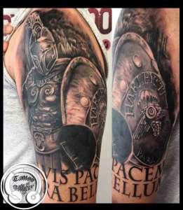 "alt=""tattoo realistici gladiatore"""