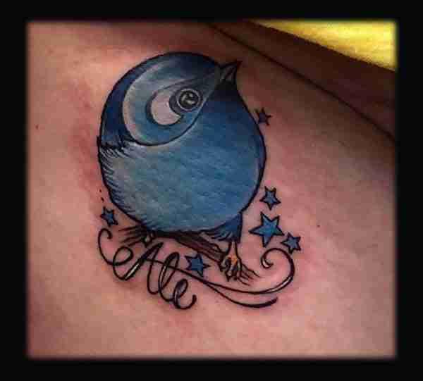 """alt=""""tattoo newschool pulcino azzurro"""""""