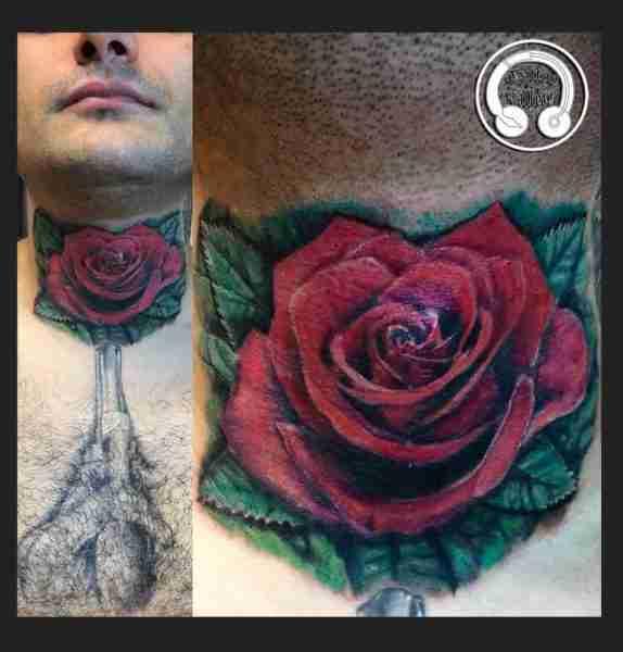 "alt=""tatuaggi fiori realistici rosa rossa"""