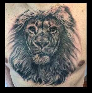 """alt=""""tatuaggi animali realistici leone"""""""