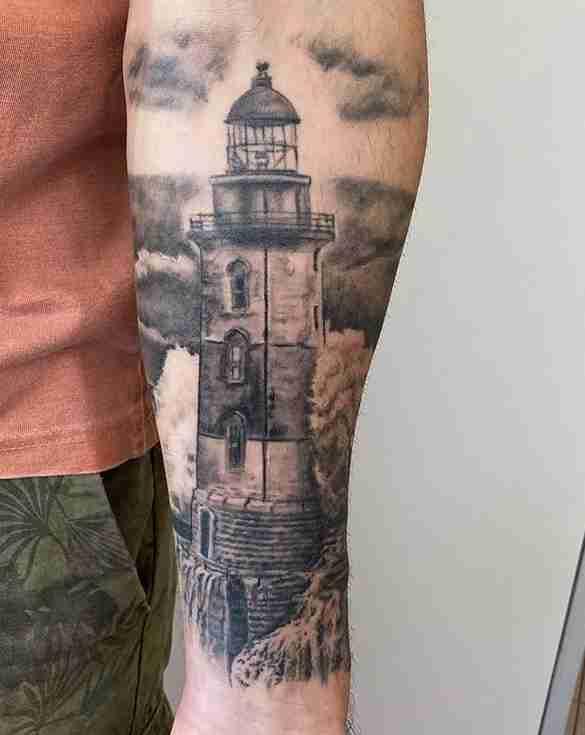 """alt=""""tatuaggi realistici faro"""""""