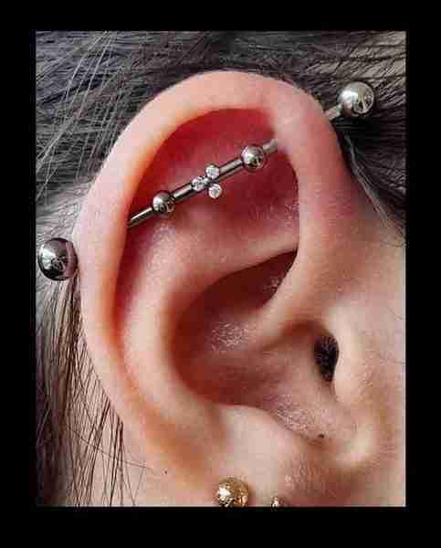"alt=""voucher piercing"""